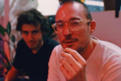 Nicolas (rechts) ist einer der drei Gründer des Wer-Haus.
