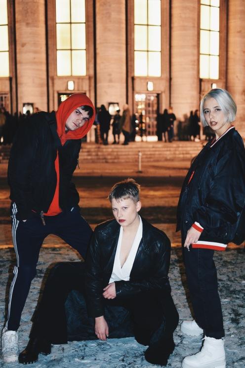 Was es für ein hervorragender Vorschlag von den beiden war, ein Bild zu dritt zu machen. Die Fashion-Squad findet ihr auf Instagram unter @tender_chicken.